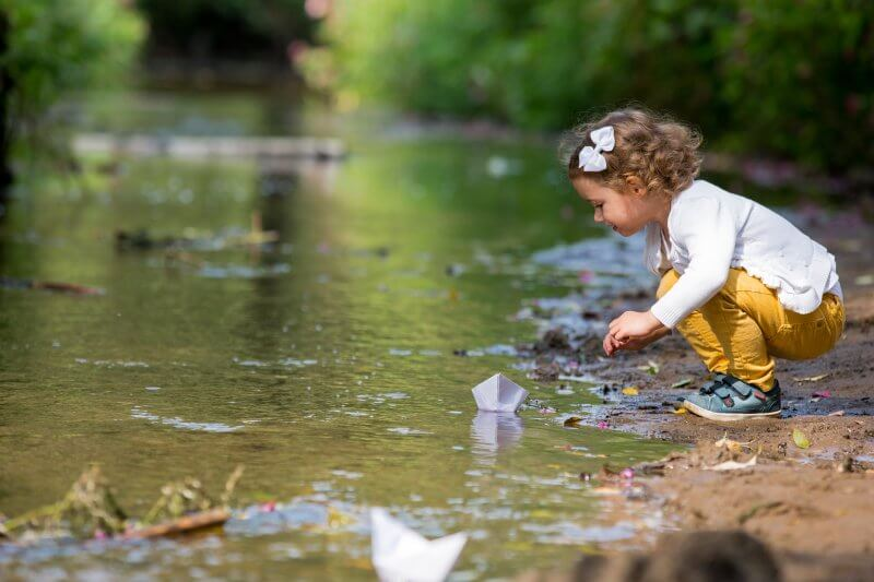 The Play Deficit >> Dangers In Nature Play Deficit Conscious Living Magazine